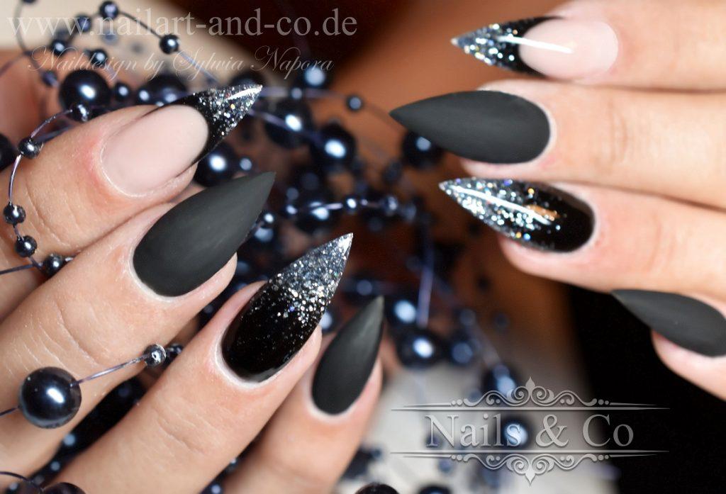 Nailart schwarz