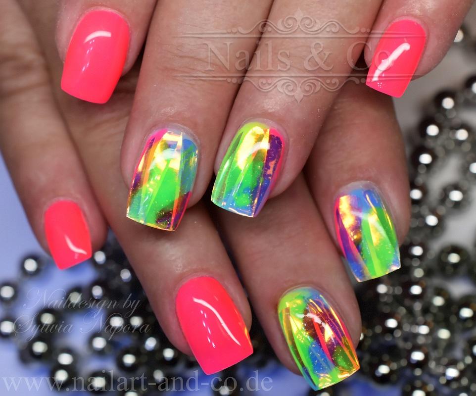 Naon Nails