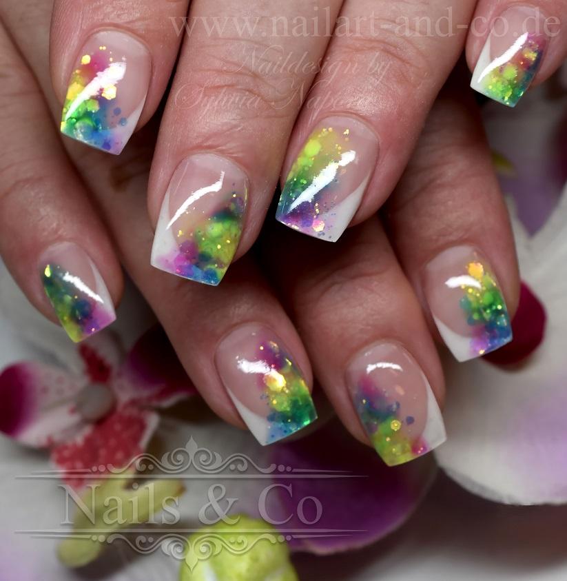 Regenbogen Nail Art