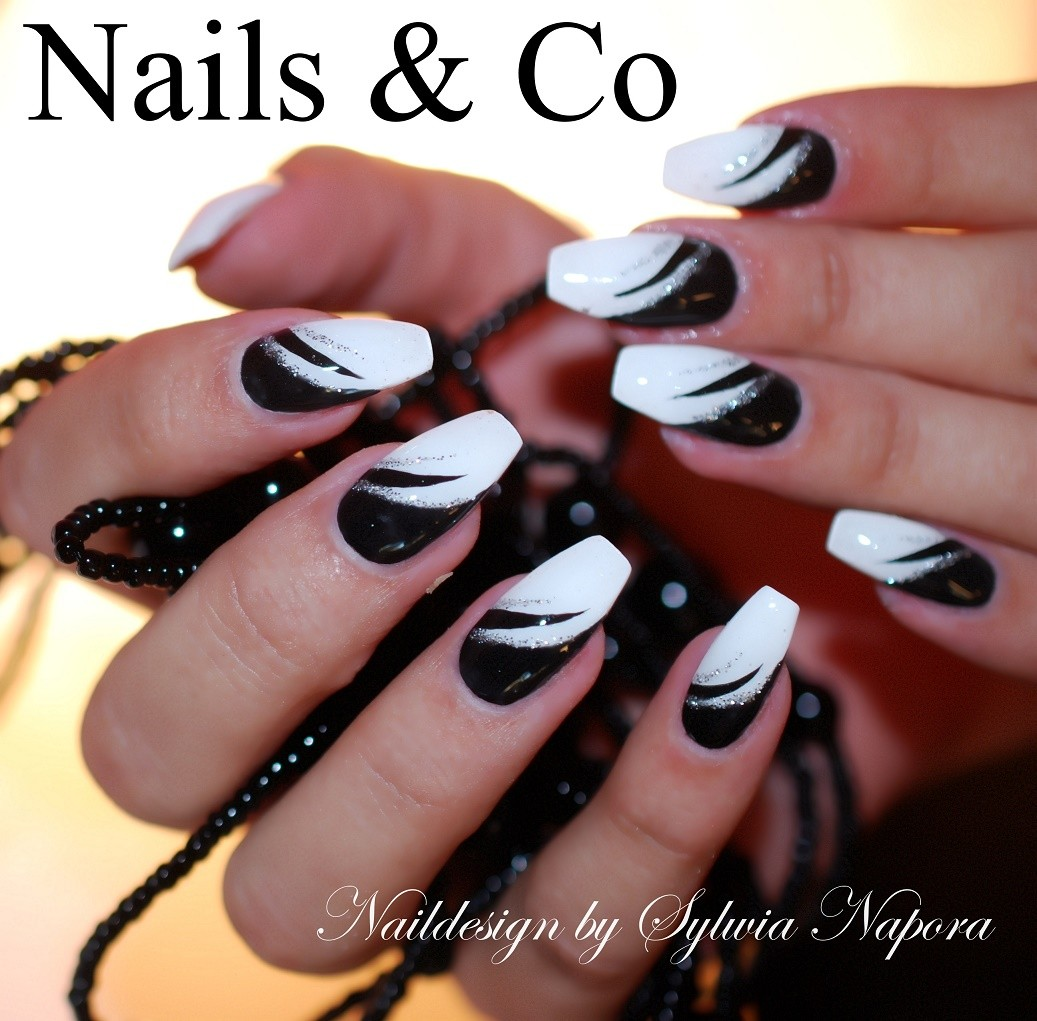 Schwarz-weiu00df U2013 Nail Art U0026 Co