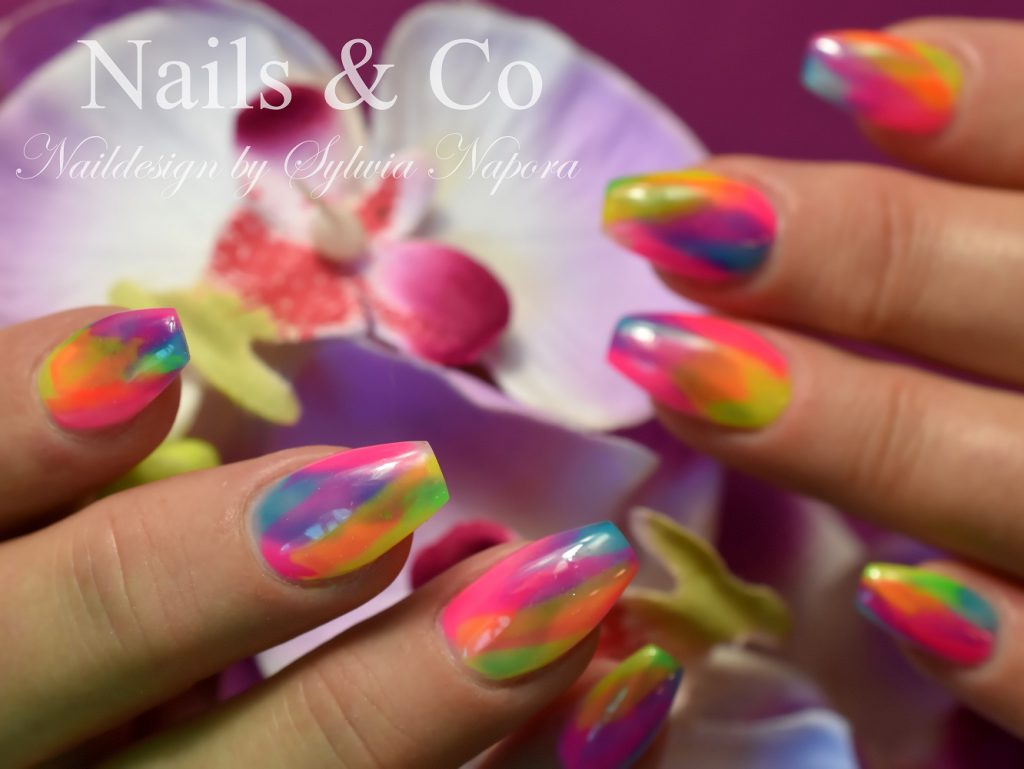 Cala Blocking Nail Art