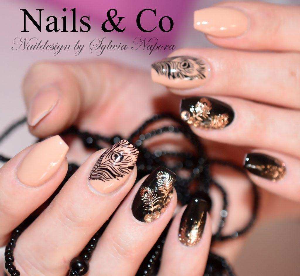 Feder Nail Art