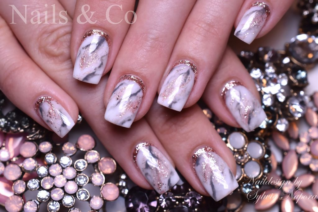 Marmor Nails
