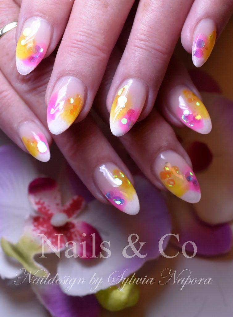 Konfetti Nail Art