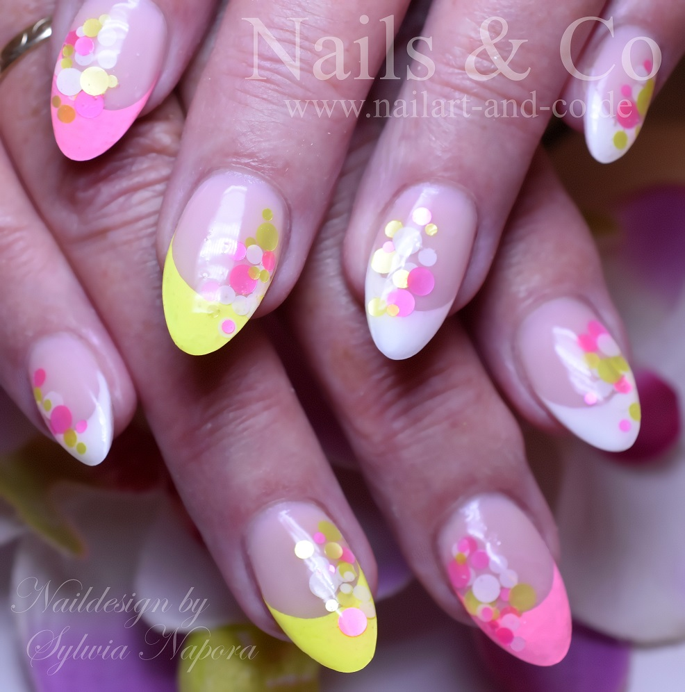 Konfetti Nails