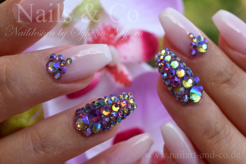 Chamäleon Strass Nails
