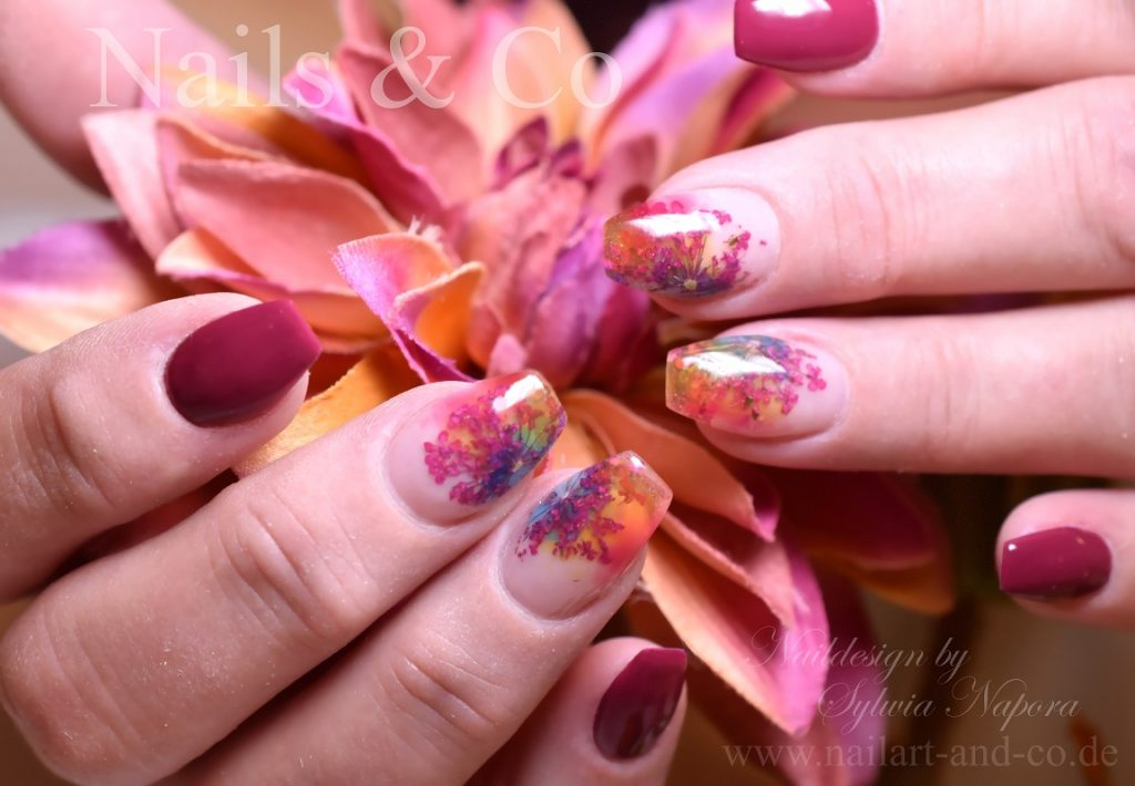 Dry Flowers Nail art