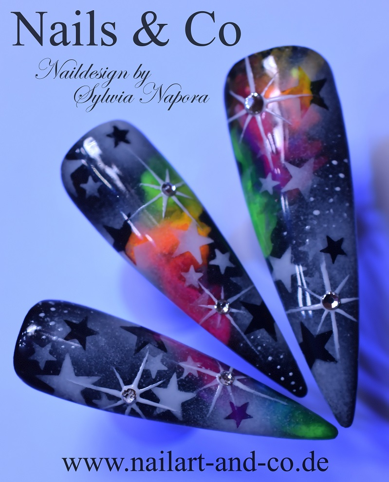 Weihnachtsgalaxie Nail Art