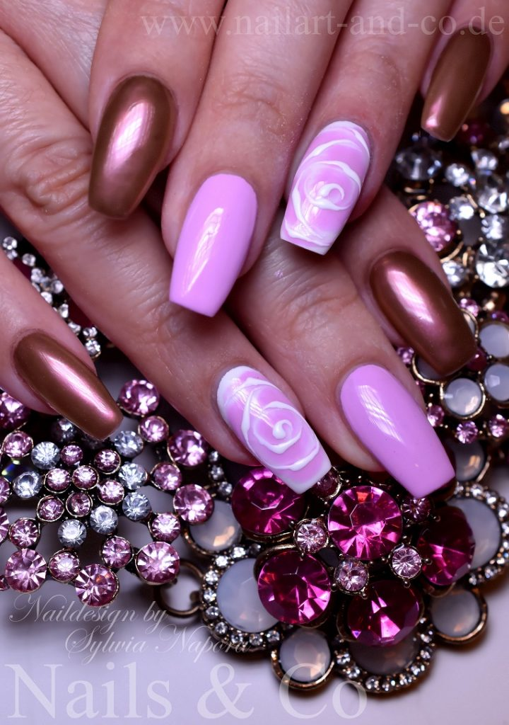 Pink Rosen Nail Art
