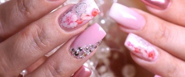 Kirchblüten Nail Art