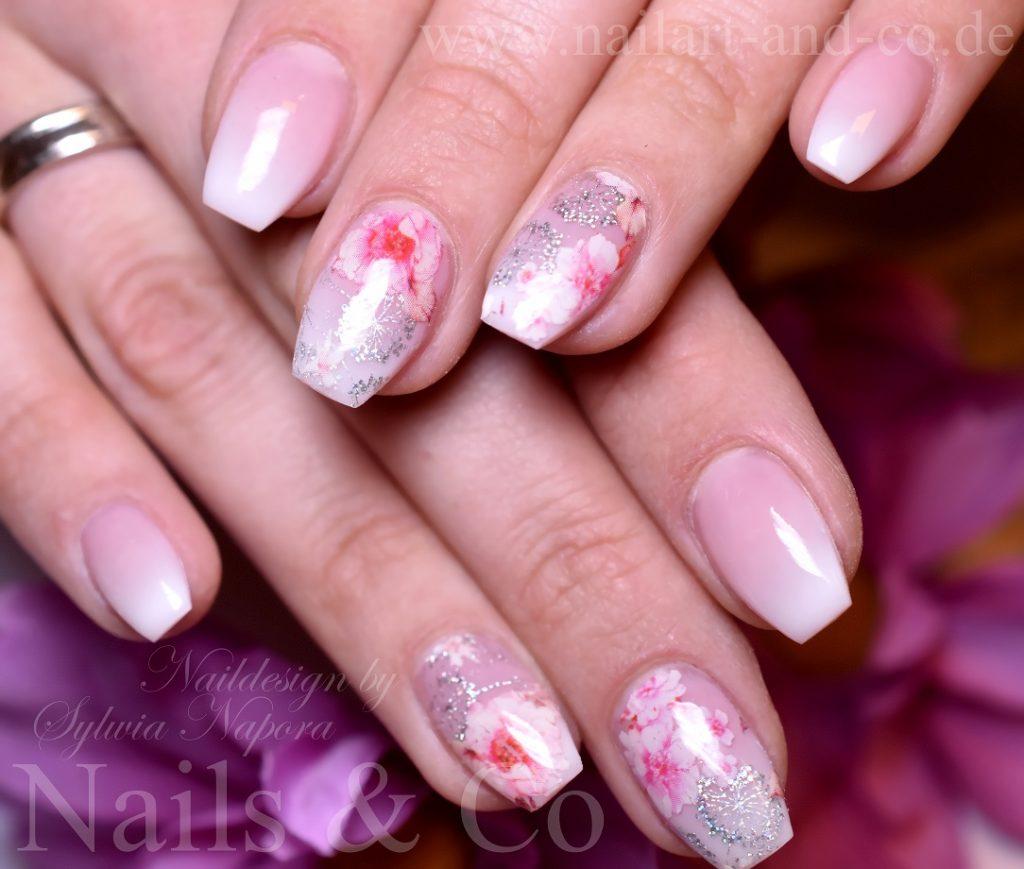 Kirschblüten Nail Art