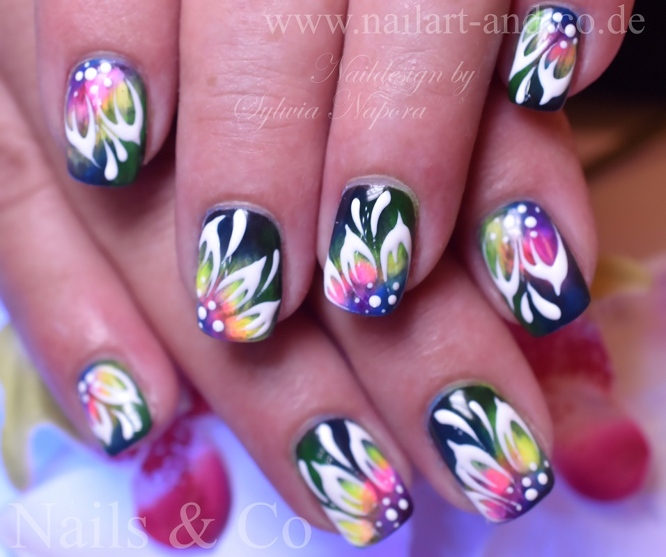 Konturen Nail Art