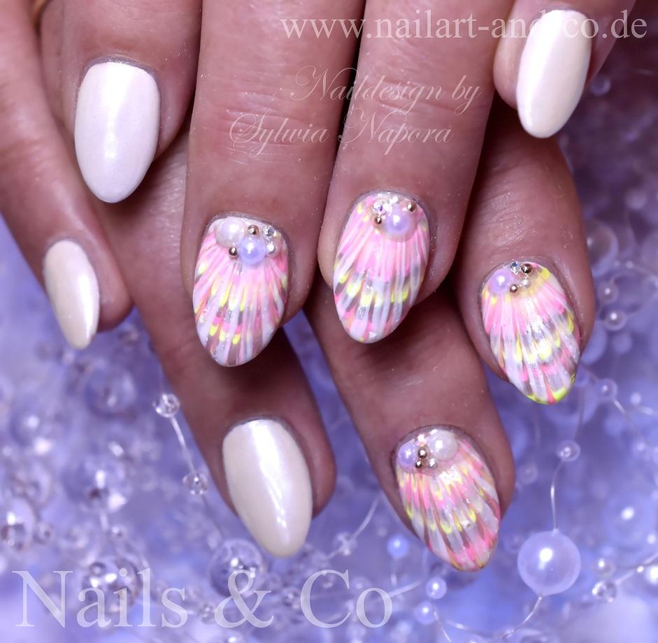 Muscheln Nail Art